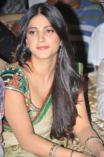 Shruthi Hassan (9)