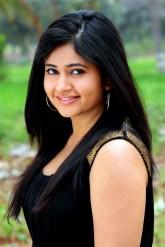 Poonam Bajwa (6)