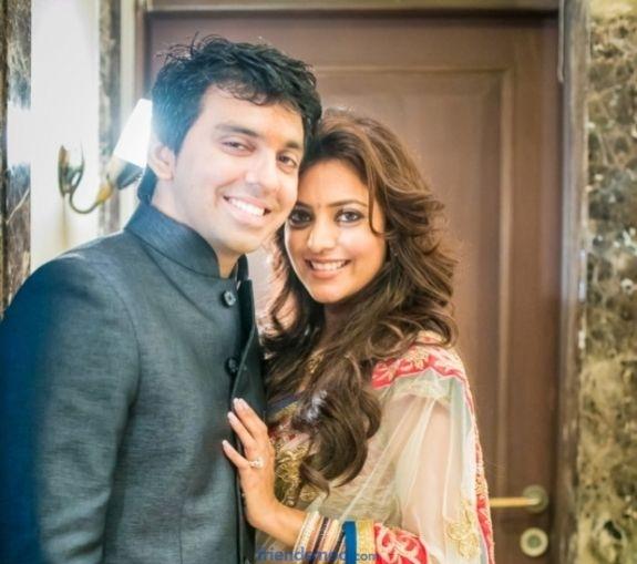 Nisha Aggarwal Engagement Photos at Friendsmoo
