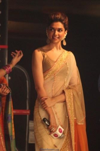 Palam Silks Chennai Express Meena Hunt Photos-Friendsmoo (28)