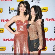 Shruti Hassan Latest Unseen Pics