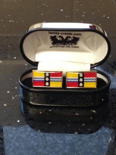 Bedfordshire flag design on cufflinks