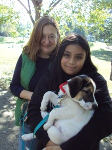 Sylvia_and_Alessandrea_Brown_with_new_puppy_Skyler