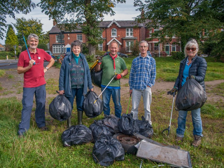 Volunteers with Litter