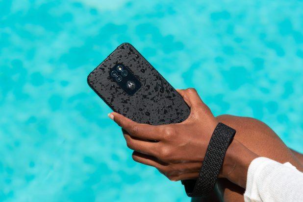 Los móviles rugerizados de Motorola vuelven con defy