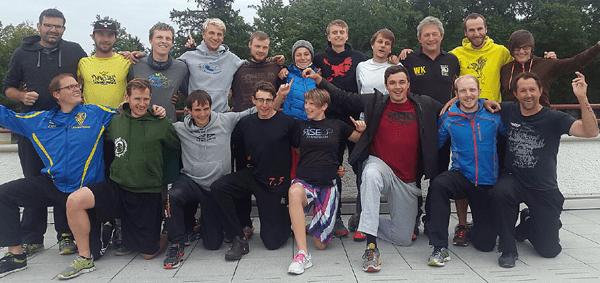 In der vergangenen Woche erreichte der Deutsche Frisbeesport-Verband (DFV) einen nächsten Meilenstein. Der erste Abschnitt der (Ultimate) Frisbee-Trainerausbildung wurde im Bundesleistungszentrum Frisbeesport an der Uni Darmstadt erfolgreich absolviert.