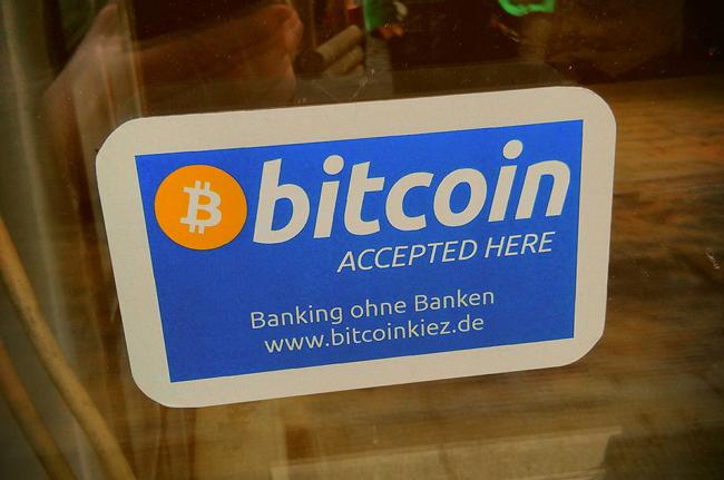 Bitcoins accepted (Bild:henribergius/Flickr)