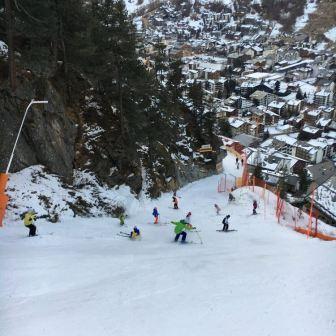 New slope, more jerries ! #ski @jerryoftheday #skiers #jerryoftheday #tourists #zermatt #frisek