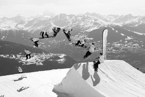 Repost @aminon_clothing SB DAY with @laurent5_4 at @cransmontanaparks #frisek #frisekteam #snowboard #cransmontana #aminon #switzerland