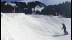 Tbt session @ Châtel #smoothpark last weekend with @kbgh @guillaumefsk and friends #frisek #frisekteam #snowboard #lesportesdusoleil #shred #snowpark #gypsy #princelife