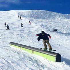 "@guillaumefsk aka ""Prince"" tailpressing the mailbox in #laax this weekend. #frisek #frisekteam #snowboard #switzerland #shred #p60 #curnius #graubünden #tailpress #prince 📷@manuperino"