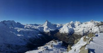 How is your tuesday morning ? #frisek #zermatt #praborgne #snowboarding 📷@moussafrisek