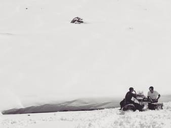 @laurent5_4 & @nemofsk chillin after many turns today!....#frisek #snowboarding #powder #april #surprise #glacier3000 #blackandwhite