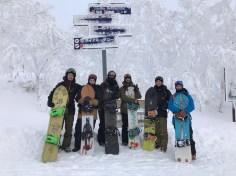 L équipe au sommet de Kamui 🇯🇵#frisek #snowboard #japan #kamuiskilinks