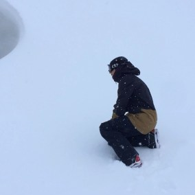 Laurent playing with the center of the earth. Volcano of Asahidake 🌋🇯🇵