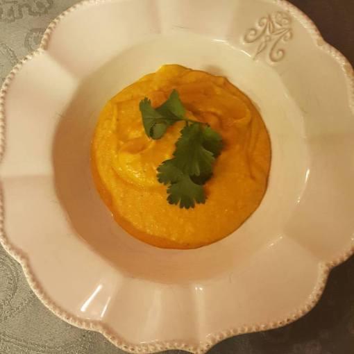 Linssoppa med sötpotatis och kokosmjölk
