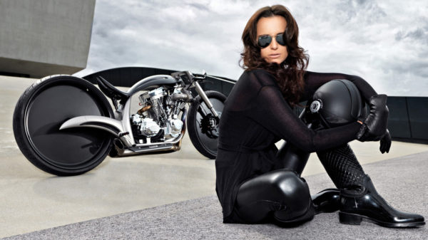hot girls, hot bike