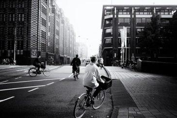 friso kooijman fotograaf photographer amsterdam zaandam zwart wit street photography straatfotografie
