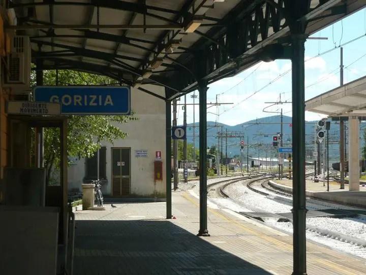 """Entrano in aree ferroviarie """"off limits"""", 7 persone nei guai a Gorizia"""