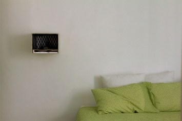 Lucia Veronesi, La verità soccombe, 2012, camera da letto di Michela - ph. Sara Mognol e Matteo Stocco