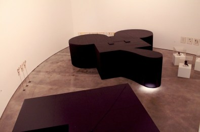 """Claes Oldenburg - """"Mouse Museum"""" e """"Ray Gun Wing"""" - 1969-77"""