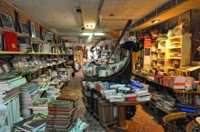 libreria_acqua_alta_02