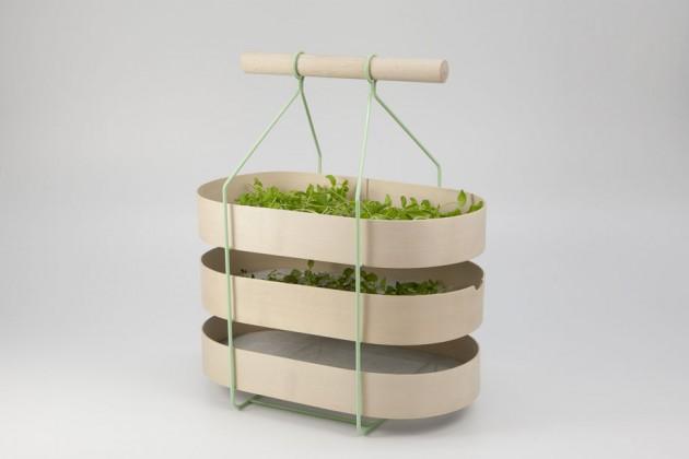 """""""Herbarium"""", di Emilia Borgvall. Per trasportare e separare le erbe raccolte nei campi, da usare in cucina, nelle tisane..."""