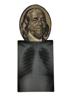 Benjamin Franklin with bunny necklace © Mattew Cox