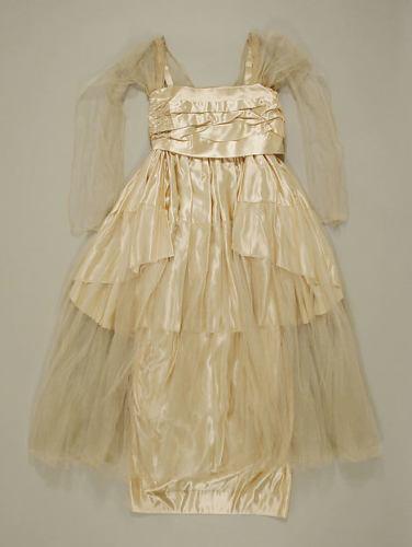 Wedding ensemble, American or European, 1917, Madeleine and Angels, Metropolitan Museum of Art.
