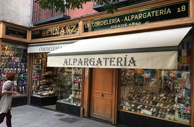 Photo of the Casa Hernanz Alpargatería storefront in Madrid, Spain. Frolic & Courage.