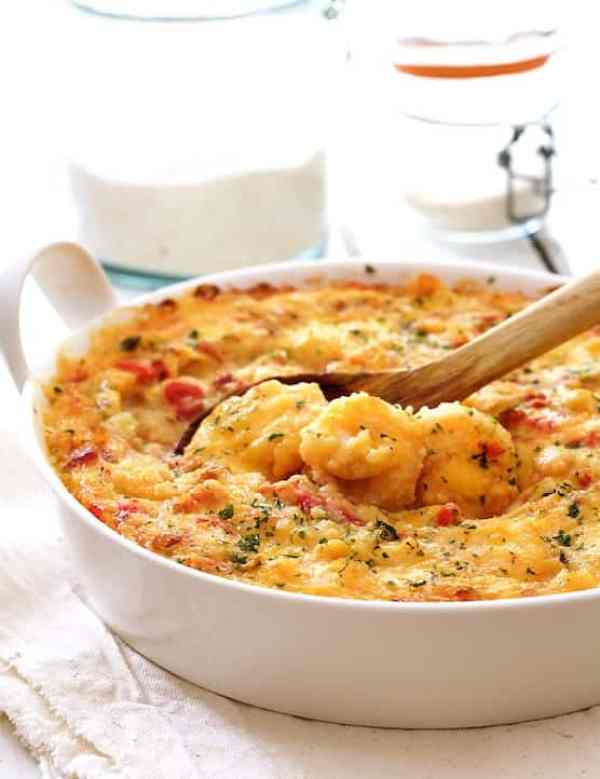 Spicy Shrimp and Grits Casserole with Gouda Cheese