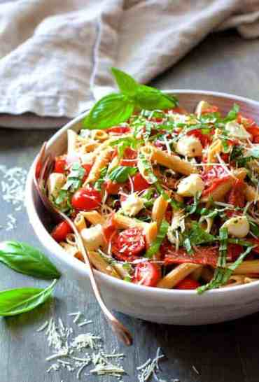 Caprese Pizza Pasta Salad