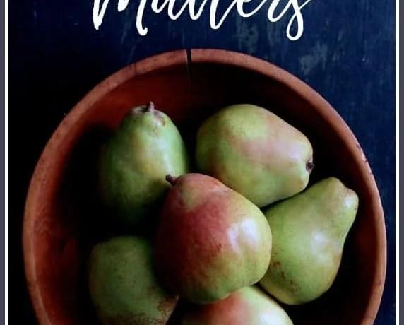Taste Matters - Pears in Wooden Bowl