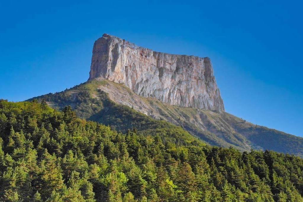 Le Mont-Aiguille Isère