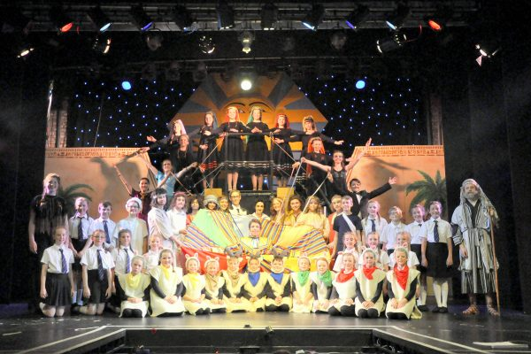 Cast of Joseph and the Amazing Technicolour Dreamcoat production