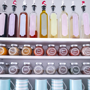 Storing Oils, Vinegars and spices