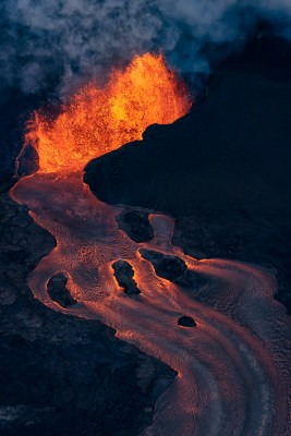 Lava spewing out of Fissure 8 and flowing into the river of lava