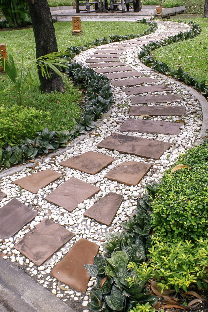 Garden Path Ideas: 10 Ways To Create A Beautiful Walkway ... on Backyard Walkway Ideas id=40019
