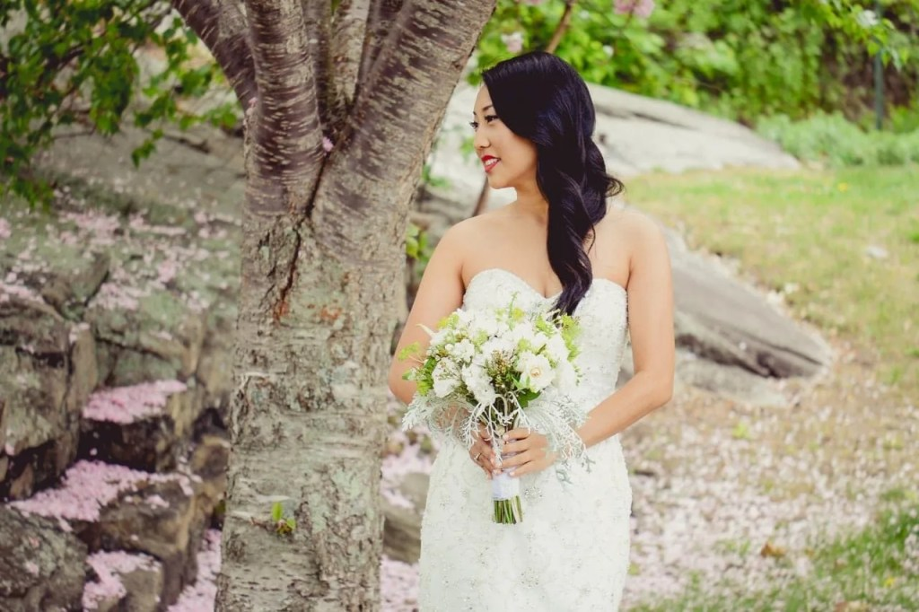 Griswold Inn Lace Factory Bride Maggie Sottero Tony Yang Photography Blossom Spring