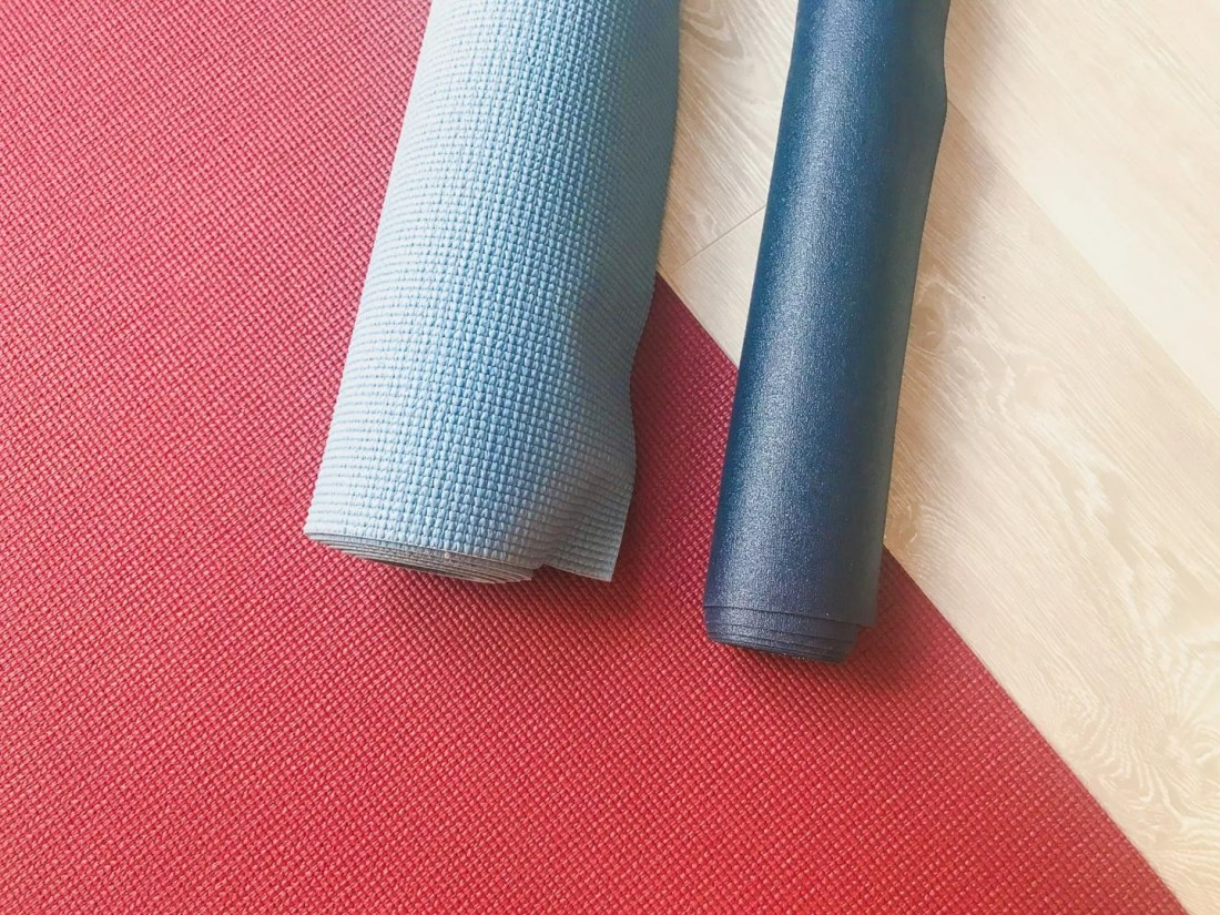 Best Travel Yoga Mat: What to Look For, Pros and Cons • Sarah Chetrit's From Lust Till Dawn