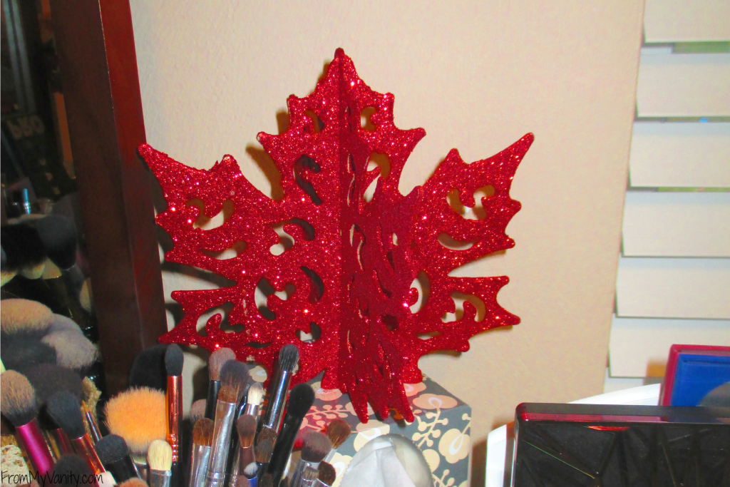 Decorate Your Vanity for Fall // Fall Inspired Sparkle Leaf // #LoveAmericanHome #CollectiveBias #ad // FromMyVanity.com