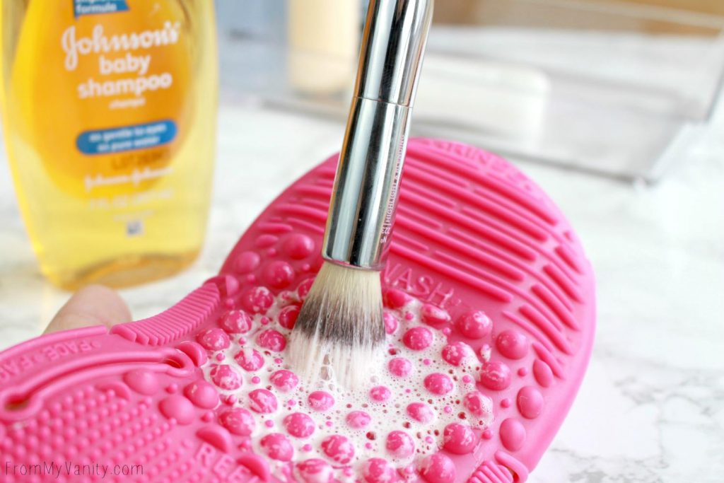 5 Ways to Wash Your Makeup Brushes | Baby Shampoo | Sigma Glove