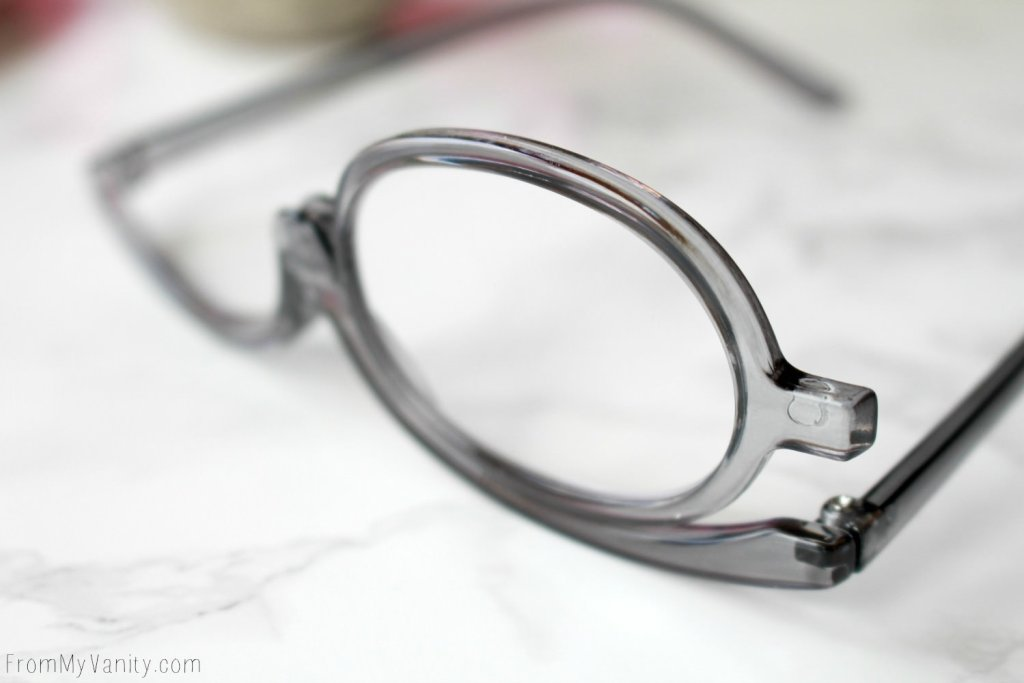 Makeup Readers| The Answer for People who Wear Glasses? | The greatest invention for makeup addicts who need glasses?