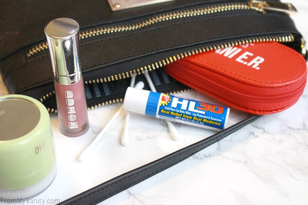 5 Purse Essentials Every (Practical) Makeup Junkie Needs