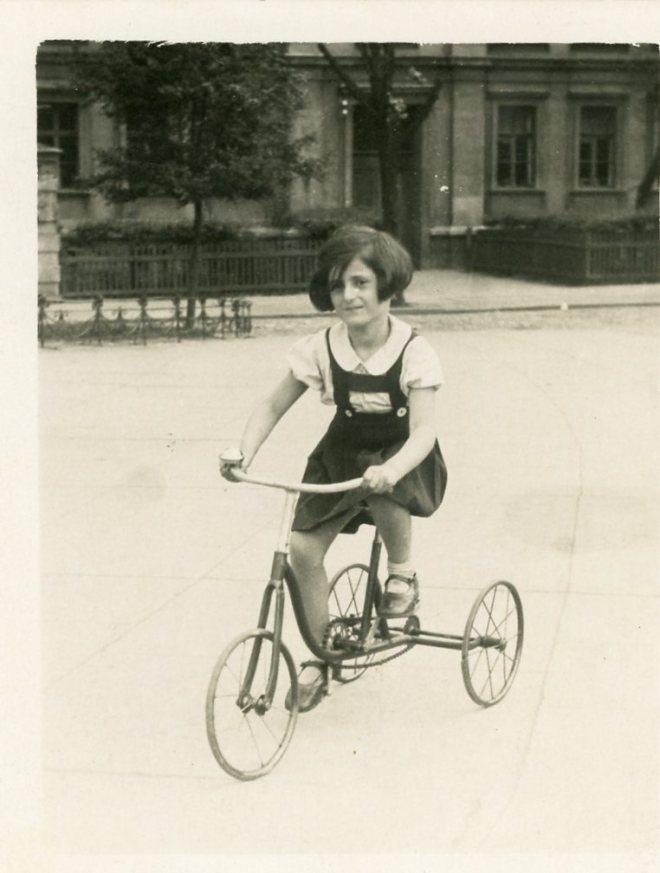 Ilse Bloch, 1935