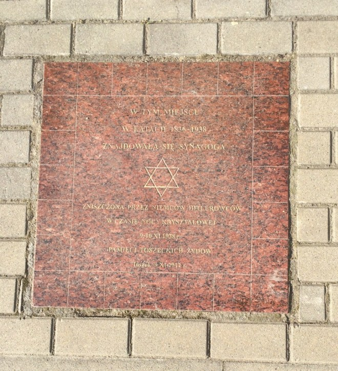Tost - memorial to the synagogue, destroyed in 1938