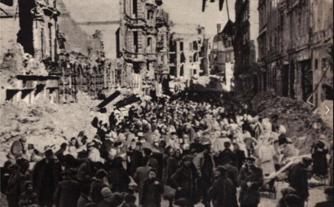 Höfchenstraße 1945: source fotopolska.eu
