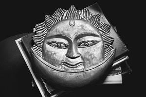horoscope-Superstitions-sun-ASTROLOGY
