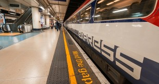 Gatwick Express en la estación