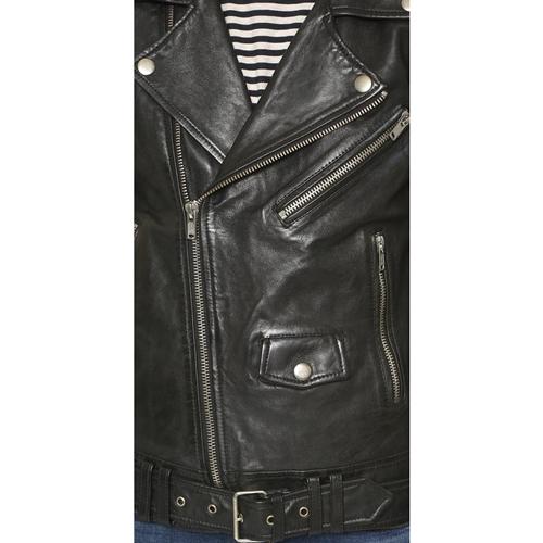 Leather Jacket Kate McKinnon in Ghostbusters (2016)